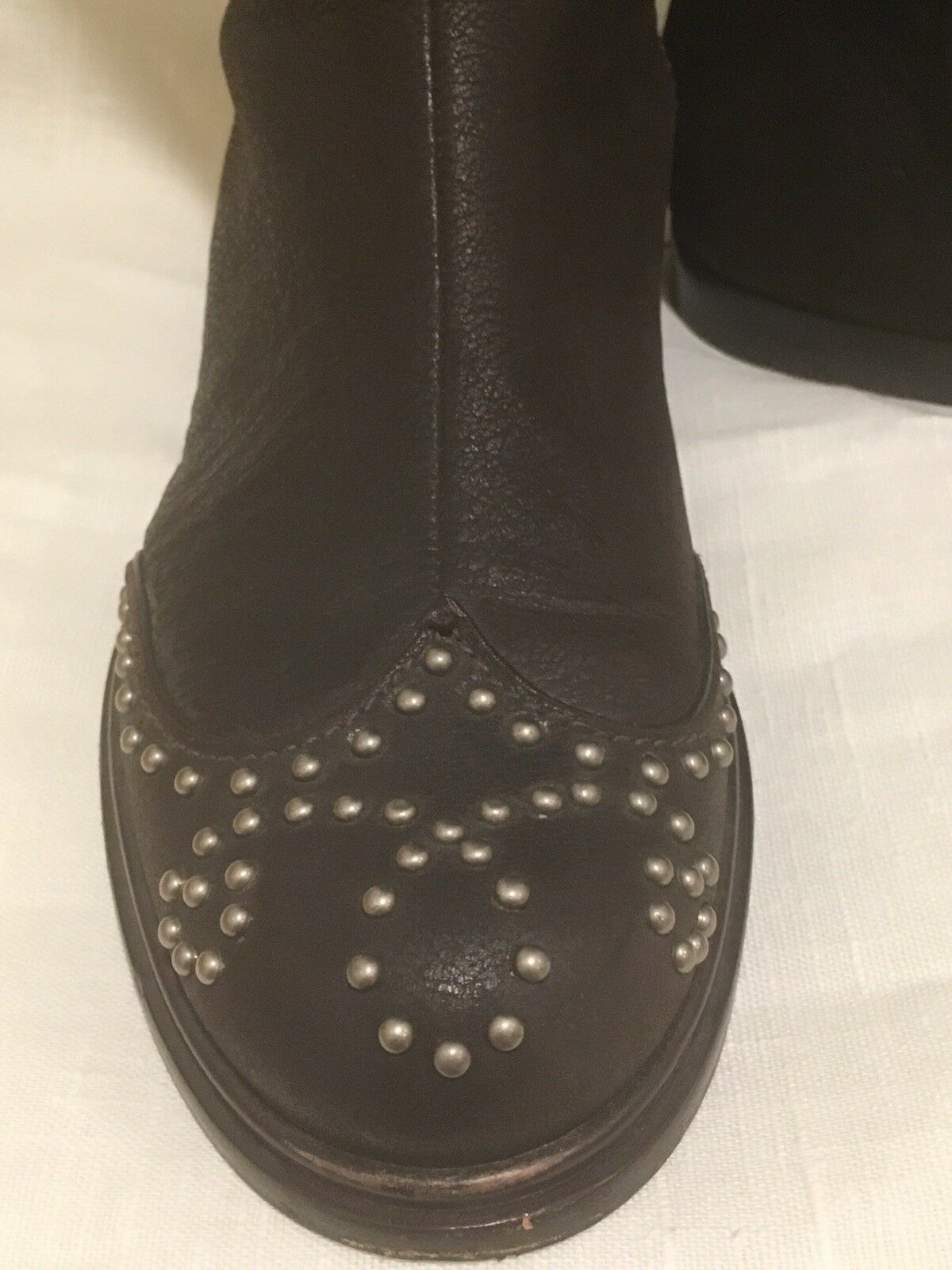 MIU MIU BROWN LEATHER STUDDED WORN TAI FLAT BOOT EXCELLENT WORN STUDDED ONCE SZ 9 f1f33c