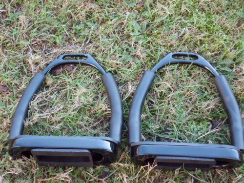 schwarz,ca  12 cm Trittbreite Sicherheitssteigbügel m.Gelenk aus Edelstahl
