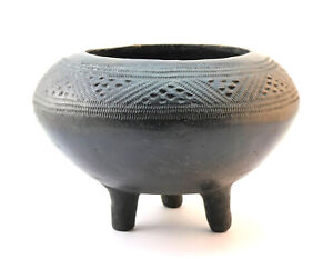 HAND CRAFTED AFRICAN NIGERIAN NUPE BLACK TERRACOTTA POTTERY INCISED TRIPOD BOWL