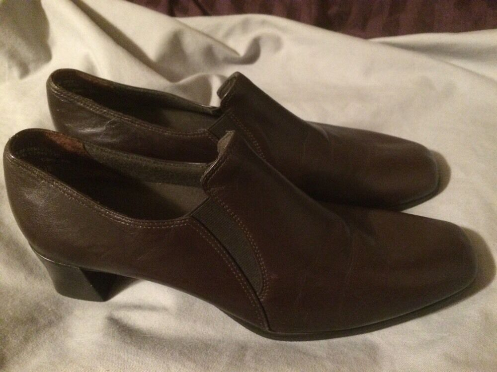 Munro American femmes marron Leather Loafer Slip On chaussures sz 10 M 42