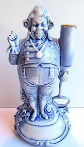 RARE-Statuette-porcelaine-allemande-Schafer-amp-Vater-Homme-au-pique-fleur