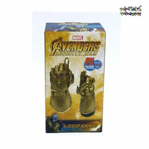 PX-Previews-SDCC-2019-Avengers-Infinity-War-Thanos-Snap-Desk-Monument-LE-2500