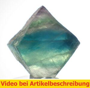 6541-ca-2-5cm-polychromer-Fluoritspaltoktaeder-Fluorite-Octahedron-diamond-MOVIE
