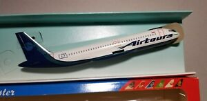 WOOSTER-MODEL-W424-AIRTOURS-INTL-A320-1-200-SCALE-PLASTIC-SNAPFIT-MODEL