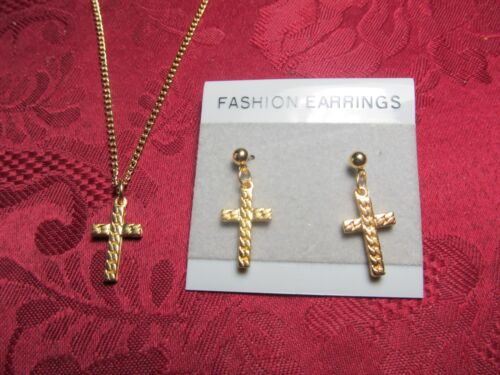 """Cross Necklace 18/"""" Cable Chain /& Matching Earring Pair"""