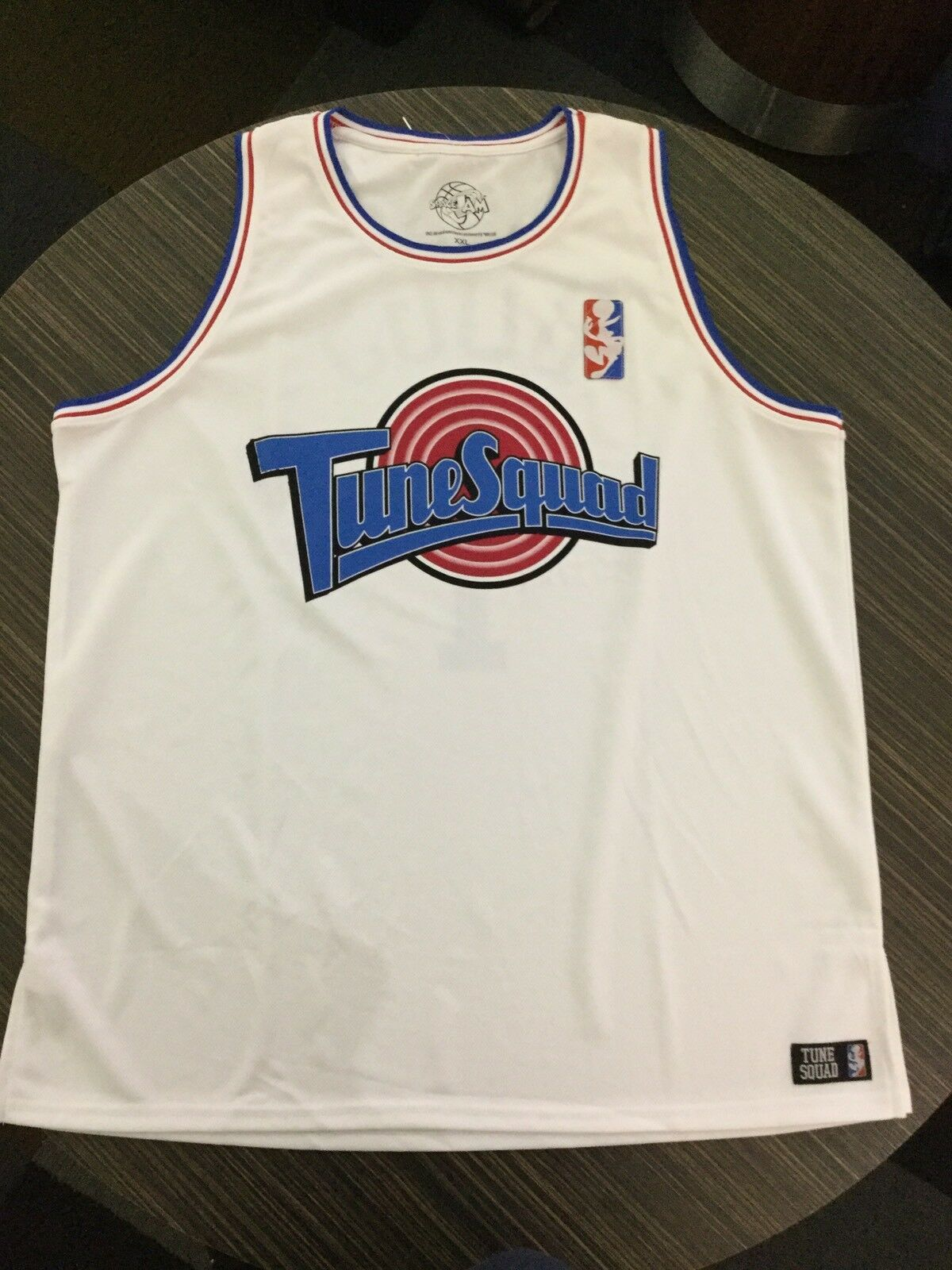 Officially Licensed SPACE JAM TUNE SQUAD BUGS Jersey. Brand New. Adult Größe XXL