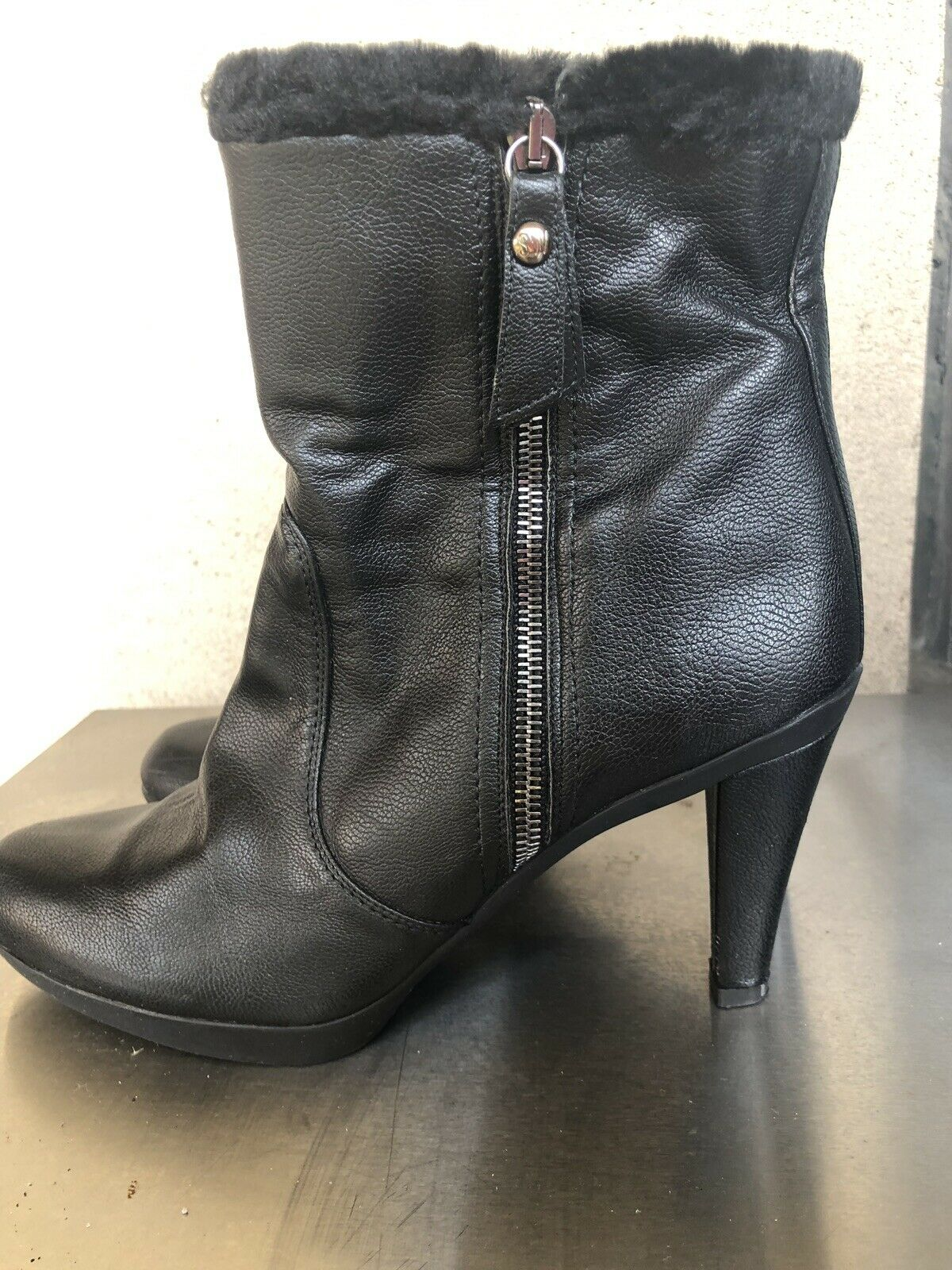 Stuart Weitzman womens black leather ankle boots … - image 2