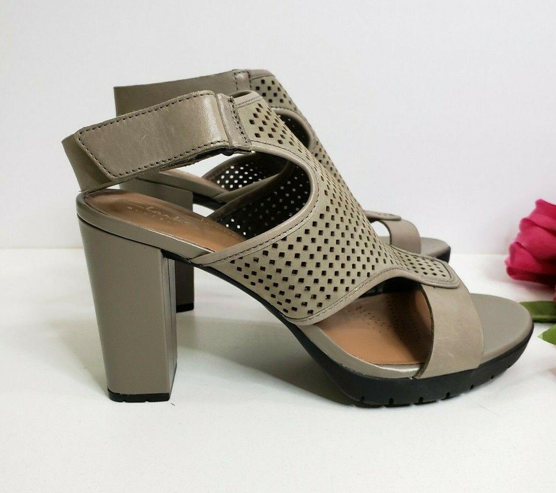 Clarks Artisan Pastina Lima Ankle Strap Heels sage Nubuck Size 9.5 M