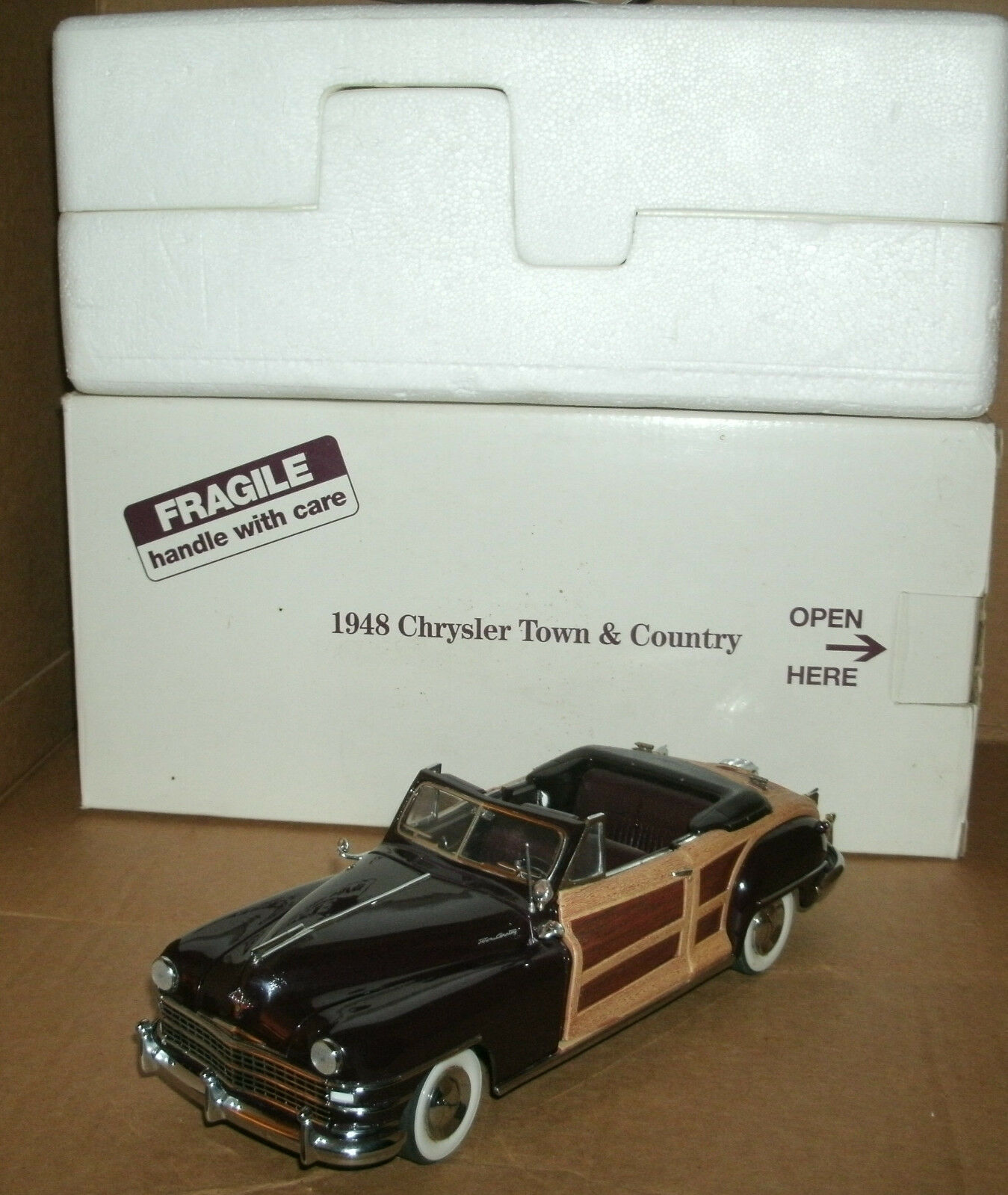 1 24 Scale 1948 Chrysler Town & Country Woody Conv Diecast Model - Danbury Mint