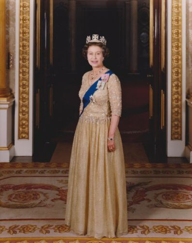 British  Royal Family Her Majesty Queen Elizabeth II 6 Large Photo Pictures