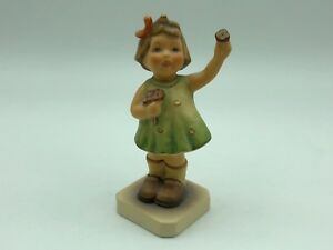Hummel-Figurine-793-Herzlich-Willkommen-4-1-8in-First-Choice-Pot-Condition