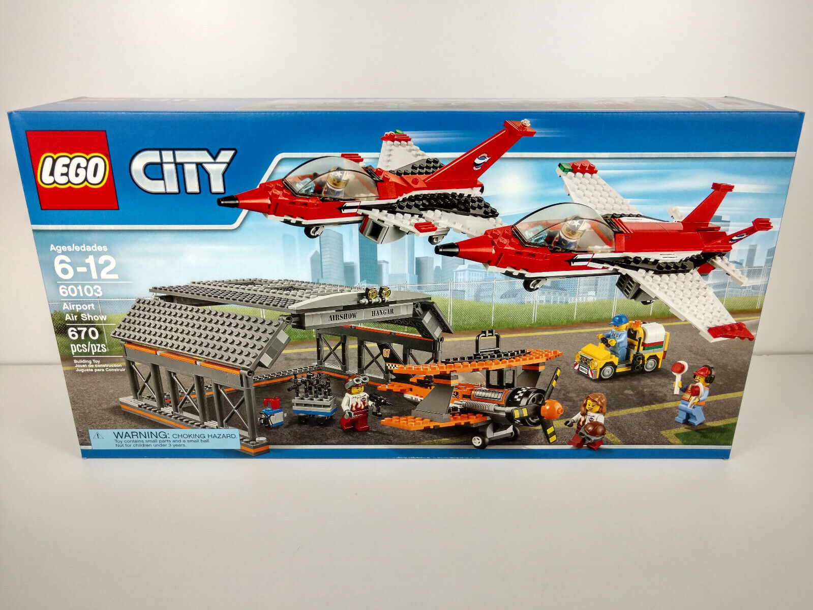 Hangar Express of Lego City Airport 60103 - New and sellation - Canadian Shipping