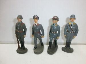 Konvolut-4-alte-Hausser-Elastolin-Massesoldaten-Flak-und-Luftwaffe-zu-7-5cm
