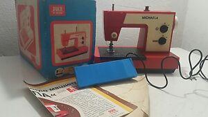 VINTAGE SEWING MACHINE TOY GERMANY GDR DDR PIKO 70s BATT. OPERATED ORIGINNAL BOX