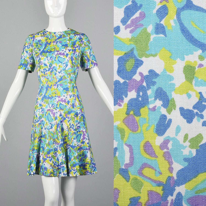 Small 1960s Shift Dress Short Sleeve VTG Dress Summer Outfit Floral Print Shift