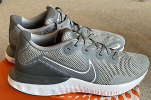 Nike renouveler Run Baskets gris et blanc UK12-Neuf