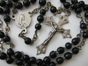 Antique-Vintage-Catholic-Rosary-4-5mm-black-glass-beads-St-Therese-center-medal