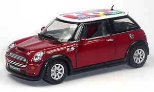 Nouveau-Mini-Cooper-S-modele-de-collection-1-28-rouge-avec-International-Drapeaux-Kinsmart