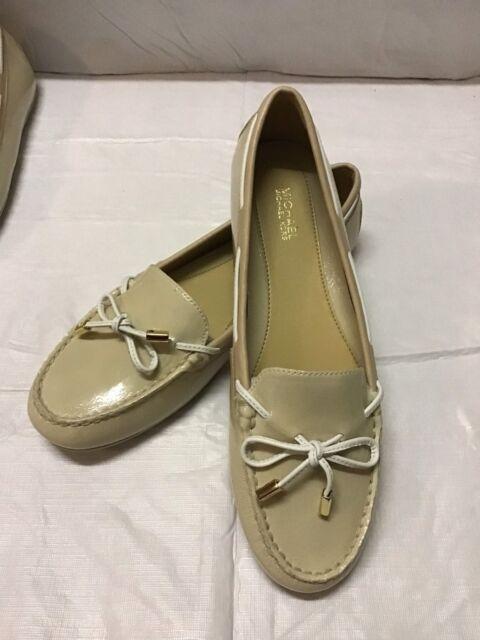 04bbe2a7494 Michael Kors Daisy Moccasin Ecru Patent Leather Women s Shoes 8.5m ...