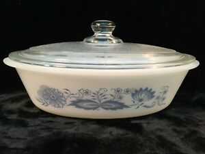 Vintage-Glasbake-1-Qt-Casserole-Dish-w-Lid-OLD-TOWN-BLUE-ONION