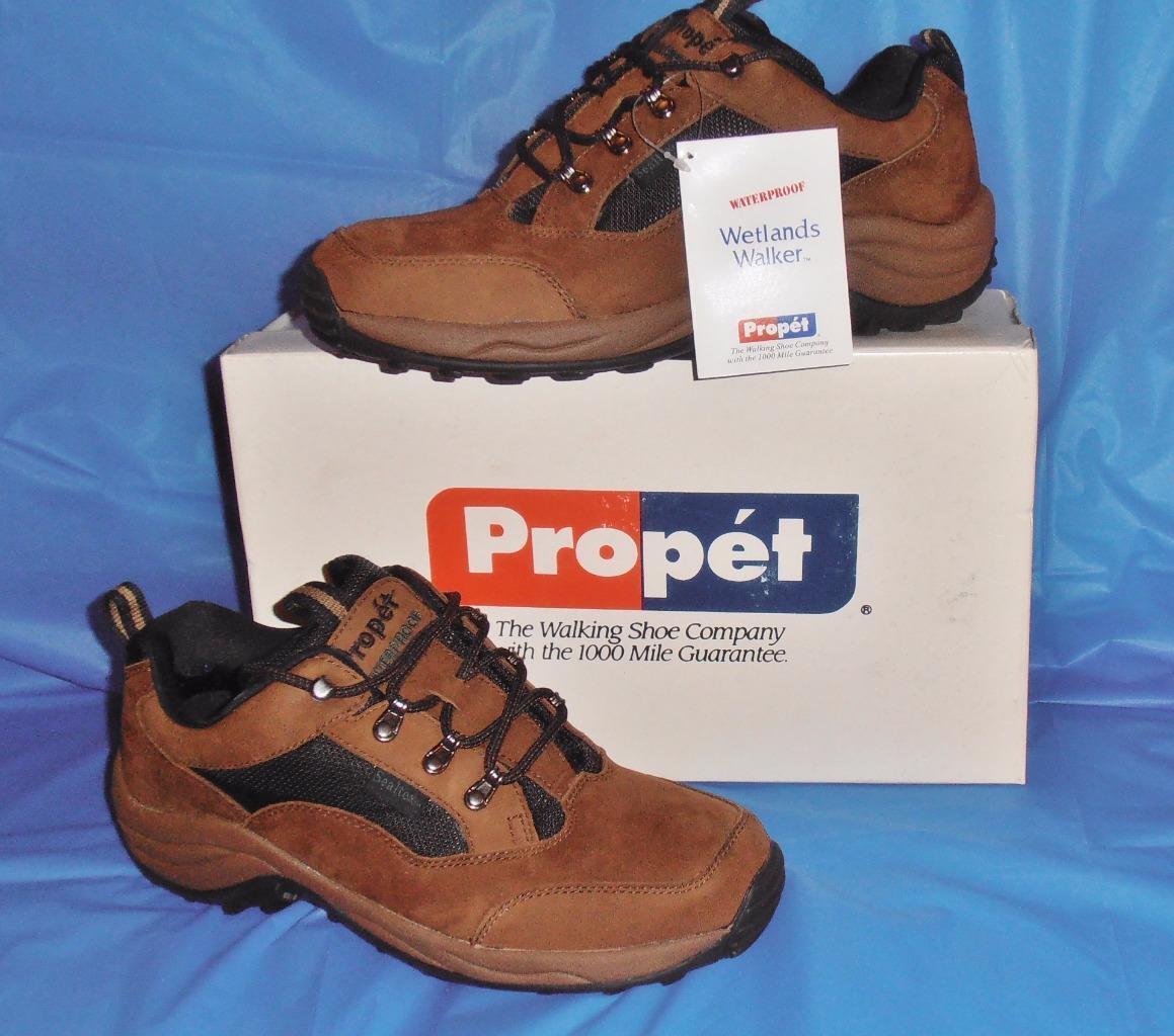 Propet, Men's WaterProof Walker, Leather & Nylon,Sure Grip Rubber Sole, 10 M