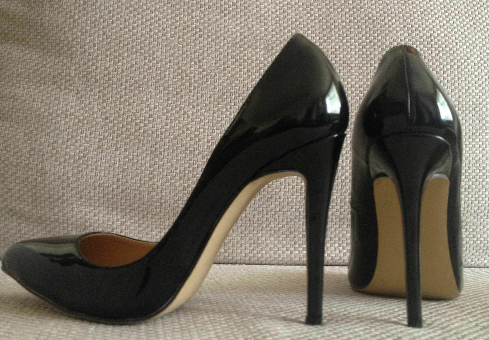 BLACK BLACK BLACK FAUX PATENT LEATHER HIGH HEEL POINTED COURT SHOES 39 BRAND NEW 90cc29