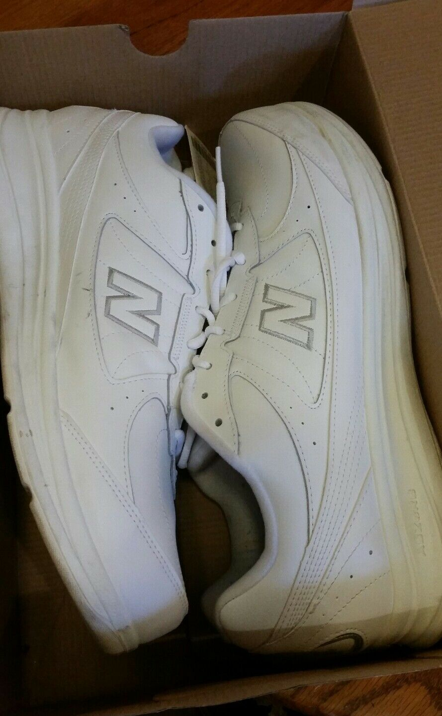 New Balance MW577WT Walking Running shoes Lace Up Men's White Size 15 4E in box