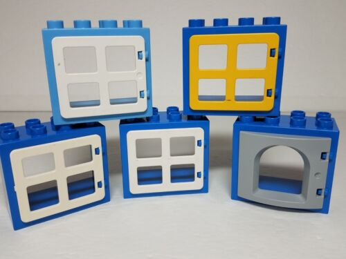 Blue /& Medium Blue Window Frames White Yellow Panes Lego DUPLO House Bricks