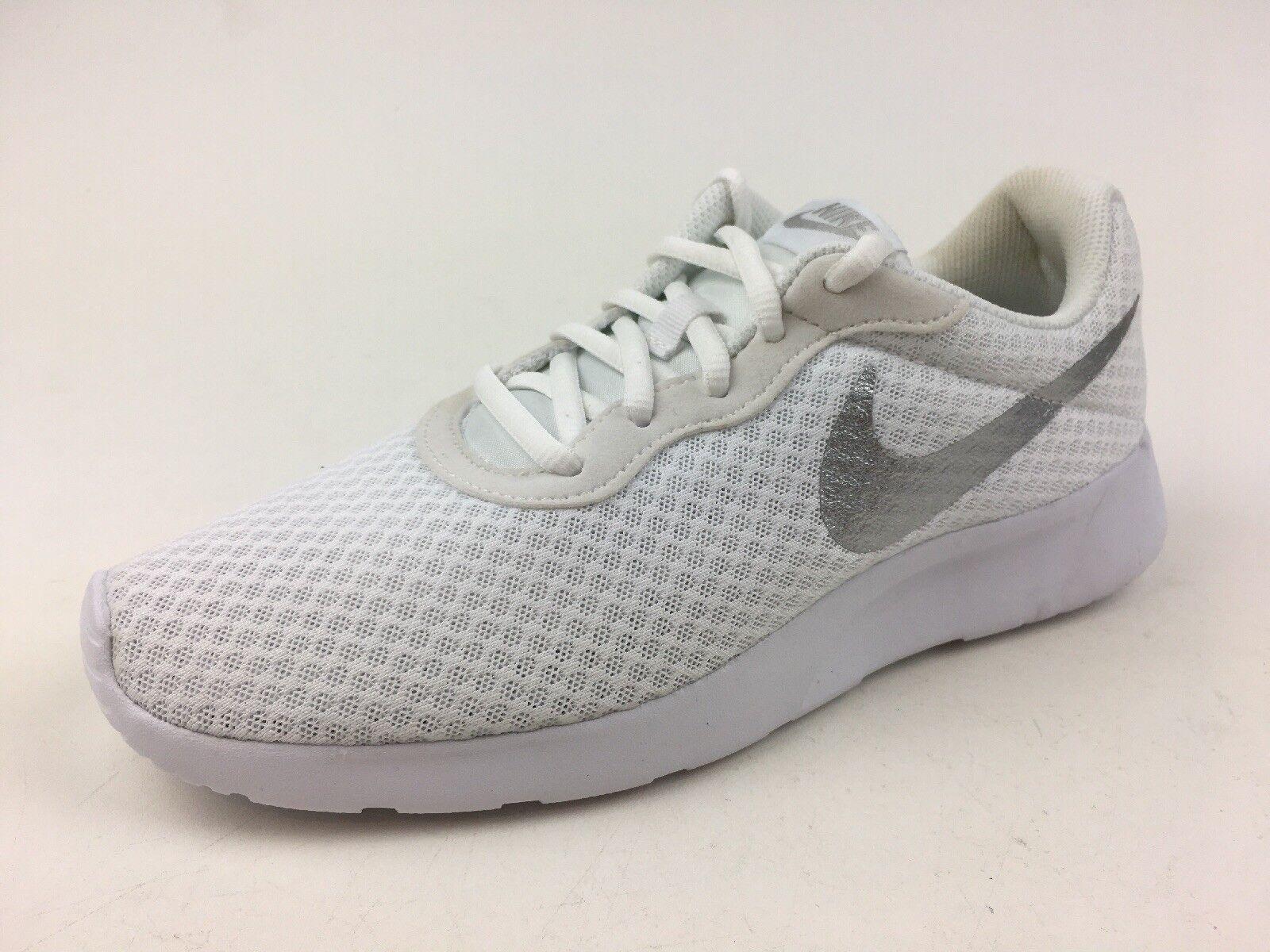 Women's Nike Tanjun White Athletic Sneakers Size 8.5  161
