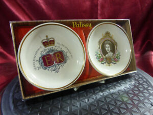 1977-Palissy-Royal-Worcester-QUEEN-ELIZABETH-II-SILVER-JUBILEE-Pair-Boxed-Dishes