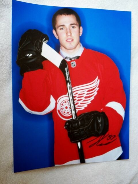 Detroit Red Wings Landon Ferraro Signed 11x14 Photo Auto