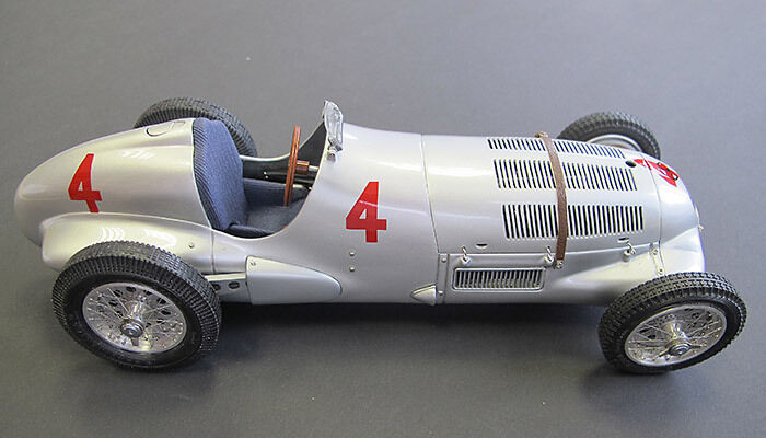 MERCEDES w125 R. SEAMAN 1937  4 DONINGTON GP 1 18 MODEL 116 CMC