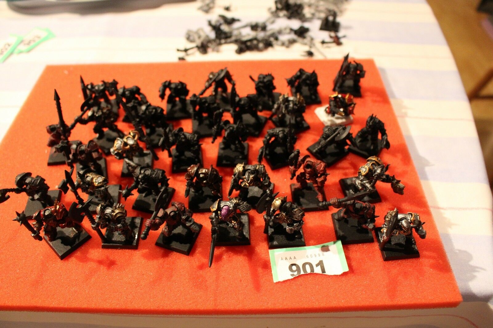 Games Workshop Warhammer Fantasy Chaos Warriors Regiment 37 x Modèles assemblés