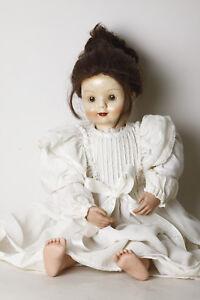 Puppe-Kopf-aus-Porzellan-Koerper-Porzellan-u-Stoff-altes-Kleid-ca-65cm-106377