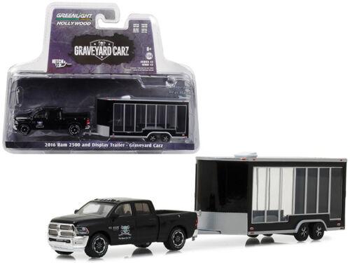 Greenlight 1//64 GRAVEYARD CARZ 2016 Ram 2500 /& Display Trailer Black 32130D