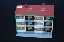 V859 Kibri Maquette train Ho immeuble ville 110*100*h 85 mm diorama