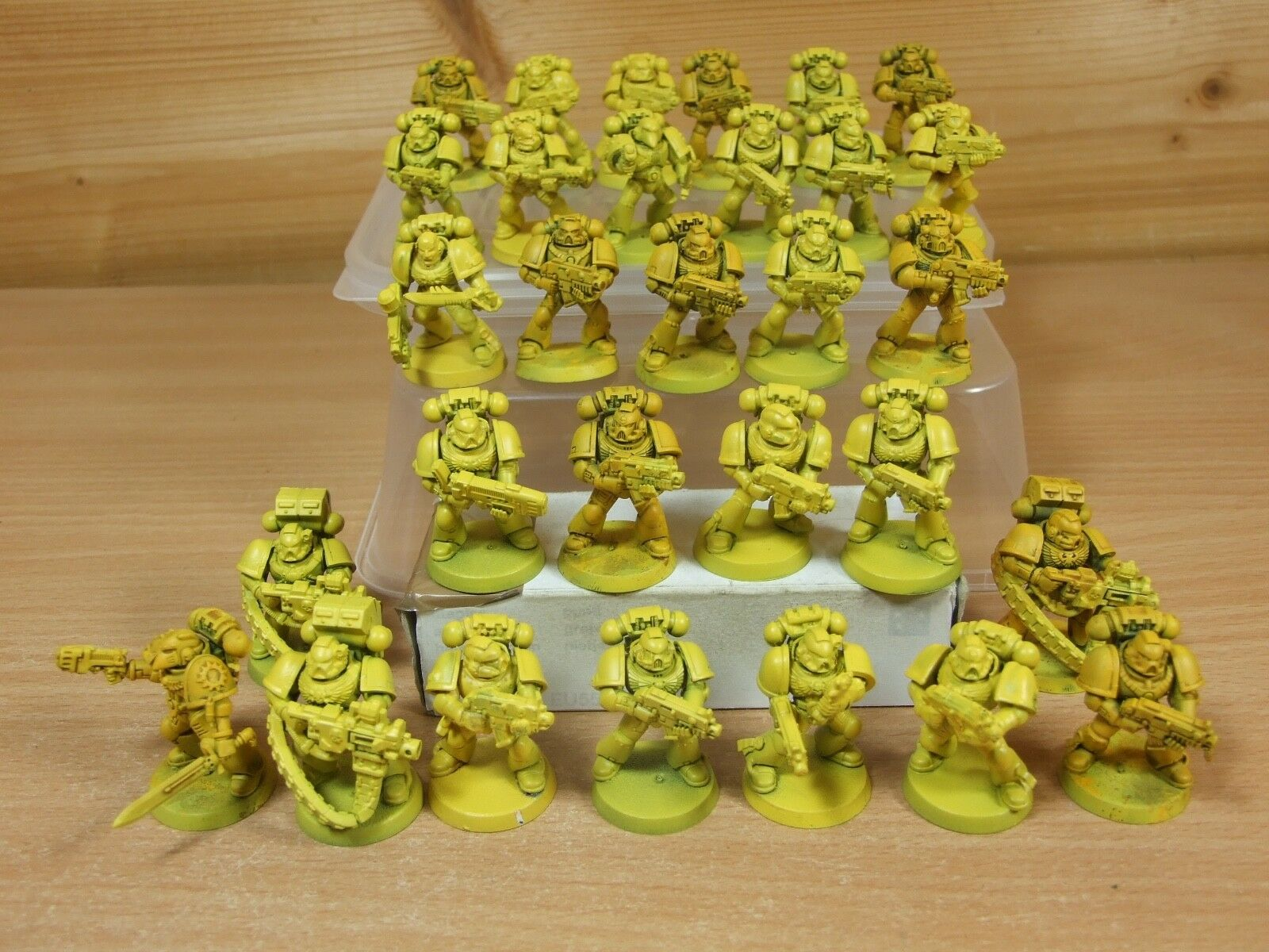 30 PLASTIC WARHAMMER SPACE MARINES TACTICAL BASE PAINTED (249)