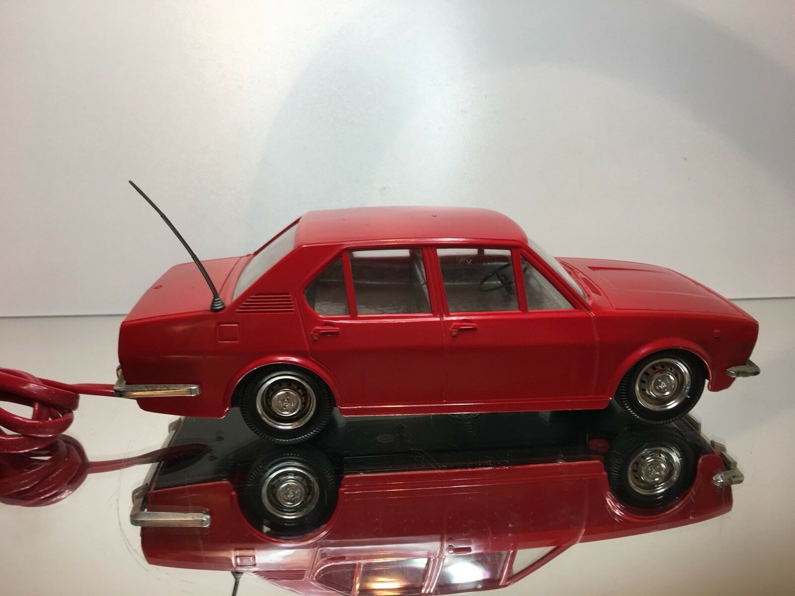 GIOCATTOLI MARCHESINI ALFA ROMEO ALFETTA - - - RC RED L26.5cm RARE - GOOD CONDITION 38a2df