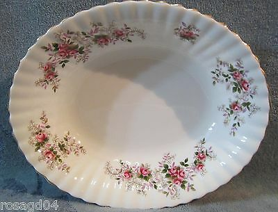 "9"" X 7½"" Oval Serving Bowl Royal Albert Lavender Rose - Bone China Made England"
