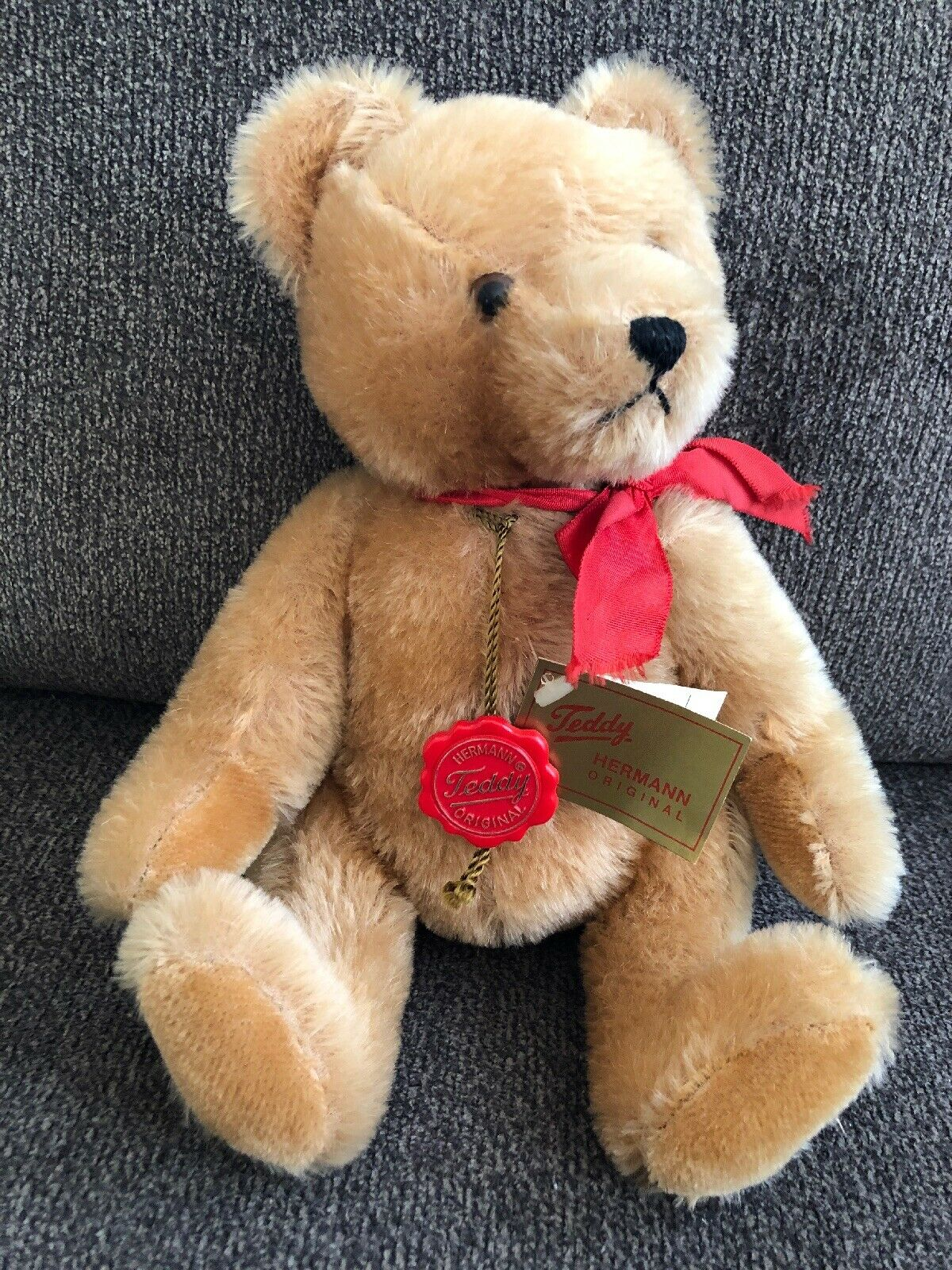 12.5  Hermann Original Teddy Bear rot Ribbon Growler Tags& rot Disc West Germany