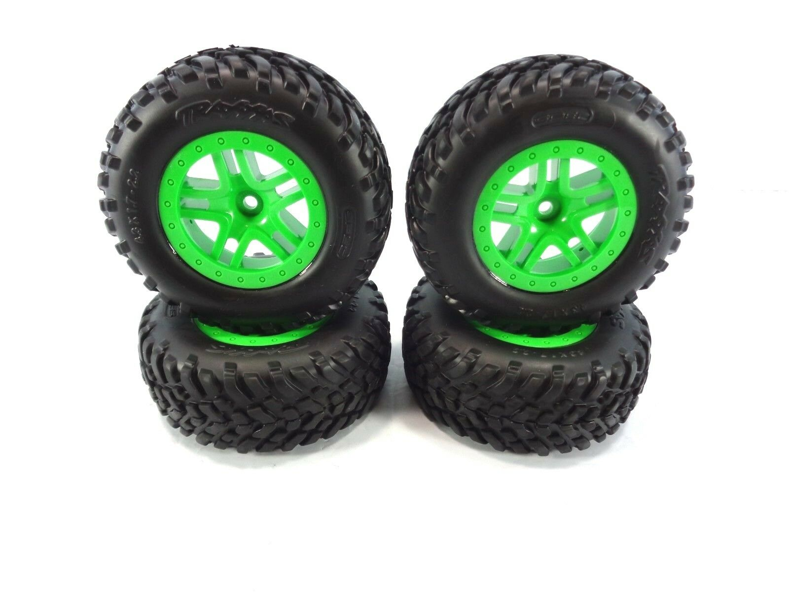 NEW Traxxas 4x4 Slash Set of 4 Factory verde 12mm Wheels and Spec Tires 4wd