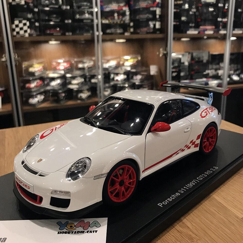 bilkonst 1  18 PORSCHE 911 (997) GT3 RS 3.8 VITT  röd STRIPES 7843