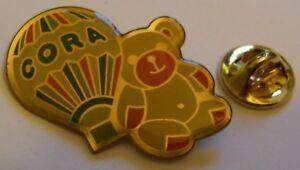 HOT-AIR-BALLOON-CORA-TEDDY-BEAR-vintage-Pin-Badge