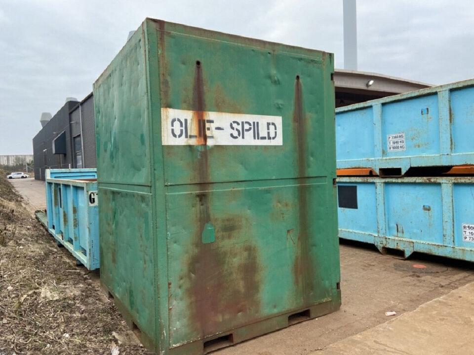 6′ høj og bred oliespild container, brugt 6 fod...