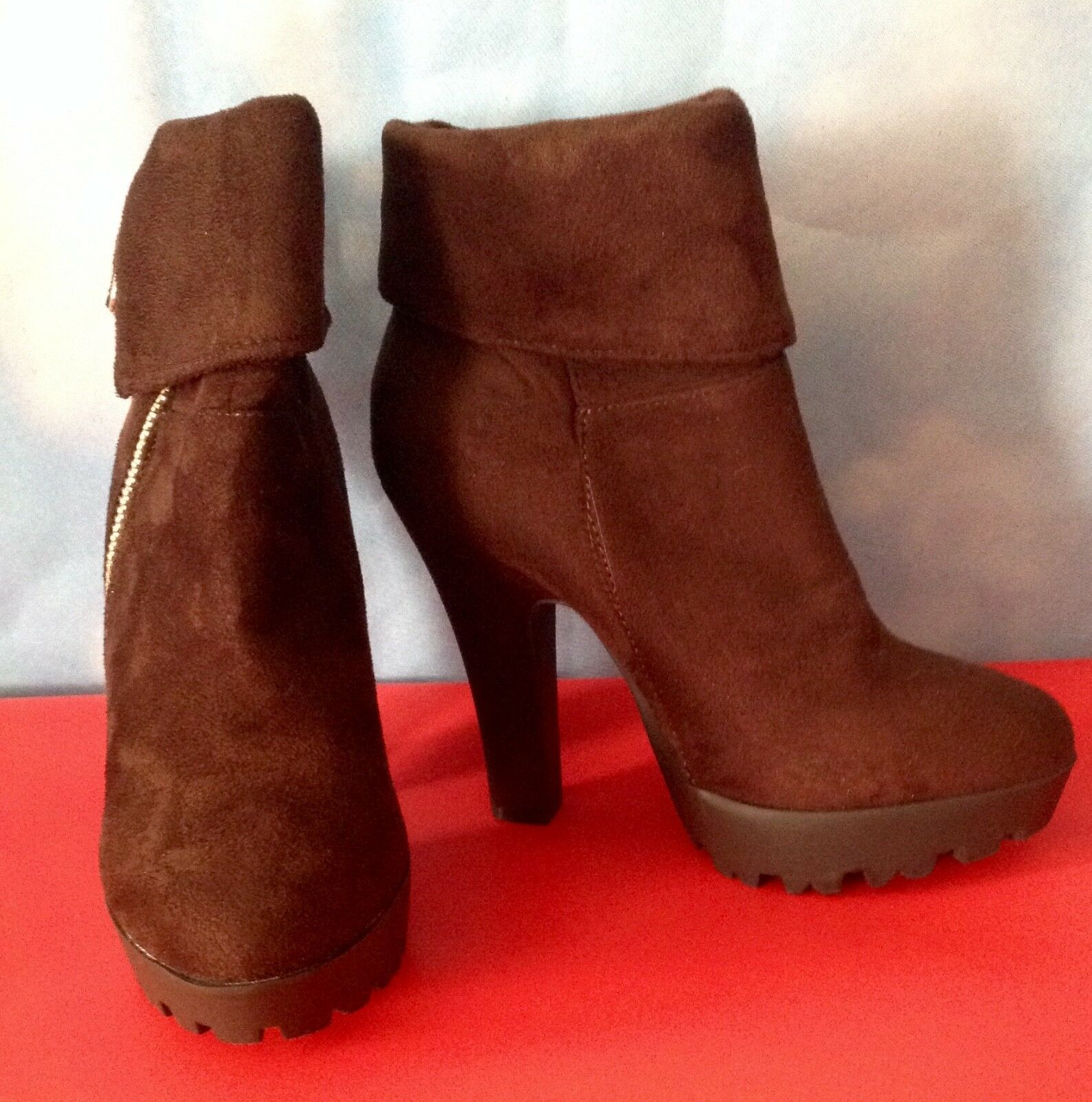 WILD DIVA LOUNGE BOOTS BROWN SEUDE
