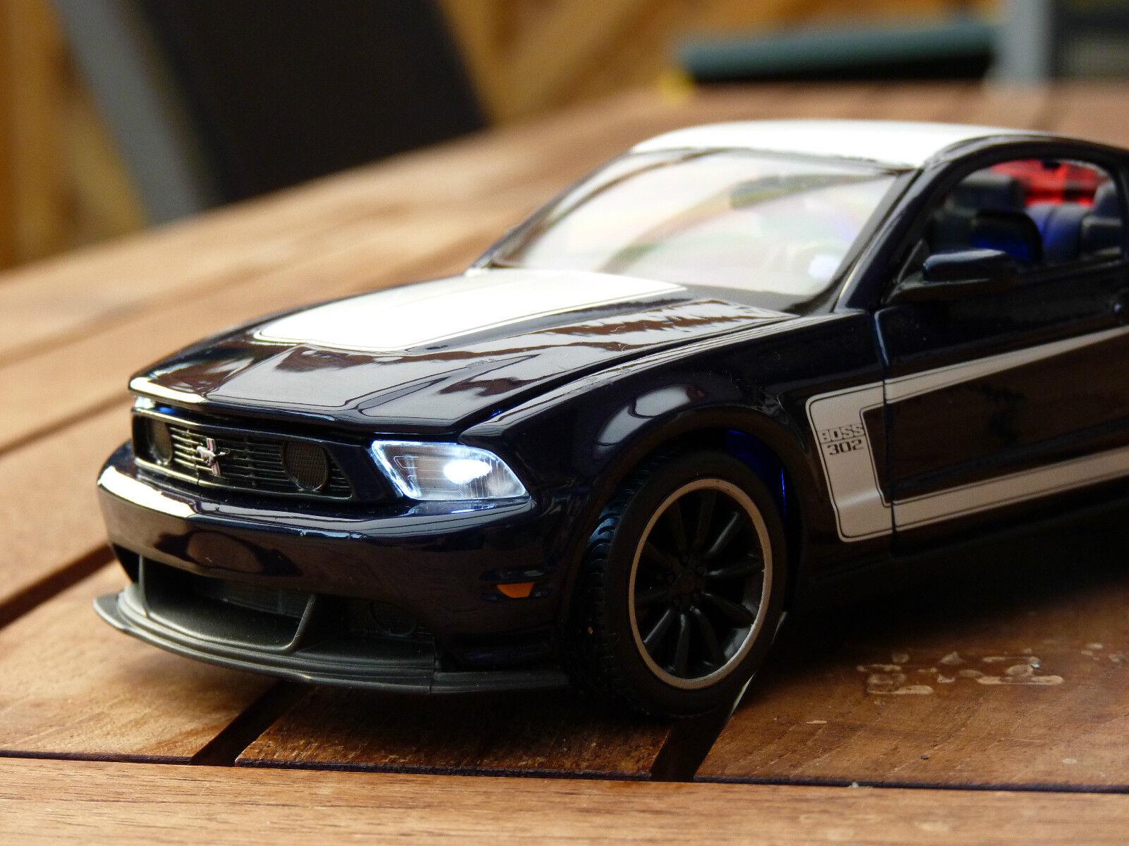 Ford Mustang Boss 302 1 24 avec DEL-éclairage (Xénon) Maisto