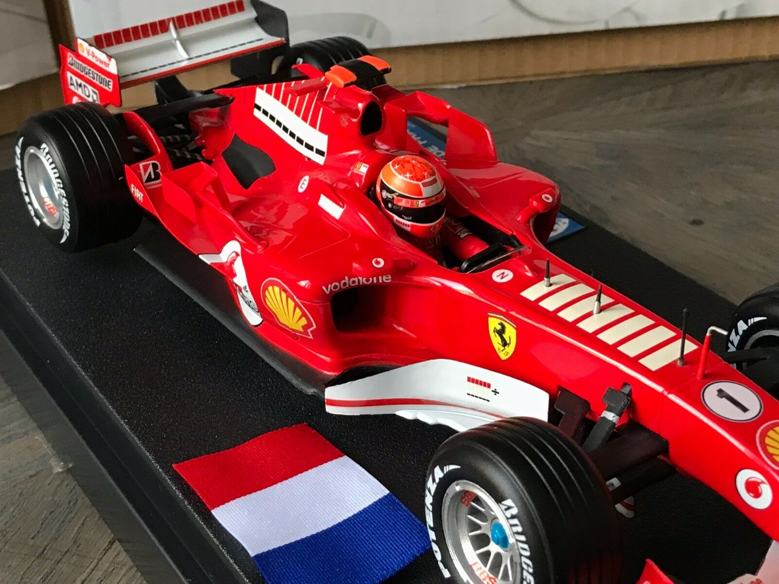 F1 F1 F1 Ferrari F2005, Version GP France, Schumacher, Ltd  GP France  1/18 Neuf 16681d