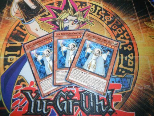 Common Yu-Gi-Oh! Lightsworn Sorceress sddc-en021 1st Ed 3 x Lyla MINT