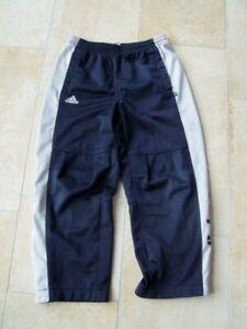 Coole-Trainingshose-adidas-Gr-128-Jungs