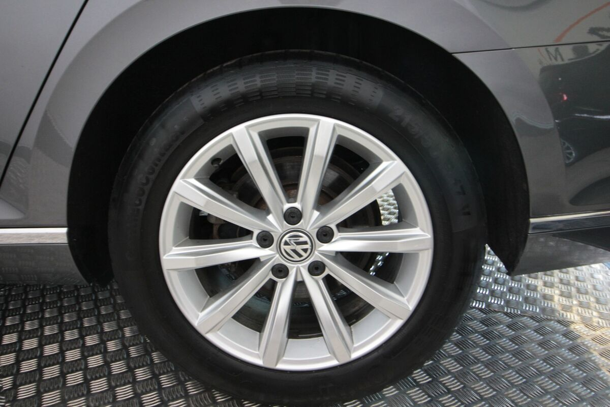 VW Passat 2,0 TDi 150 High+ Vari. DSG Van